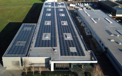 Energieneutrale kozijnenproductie dankzij zonnepanelen